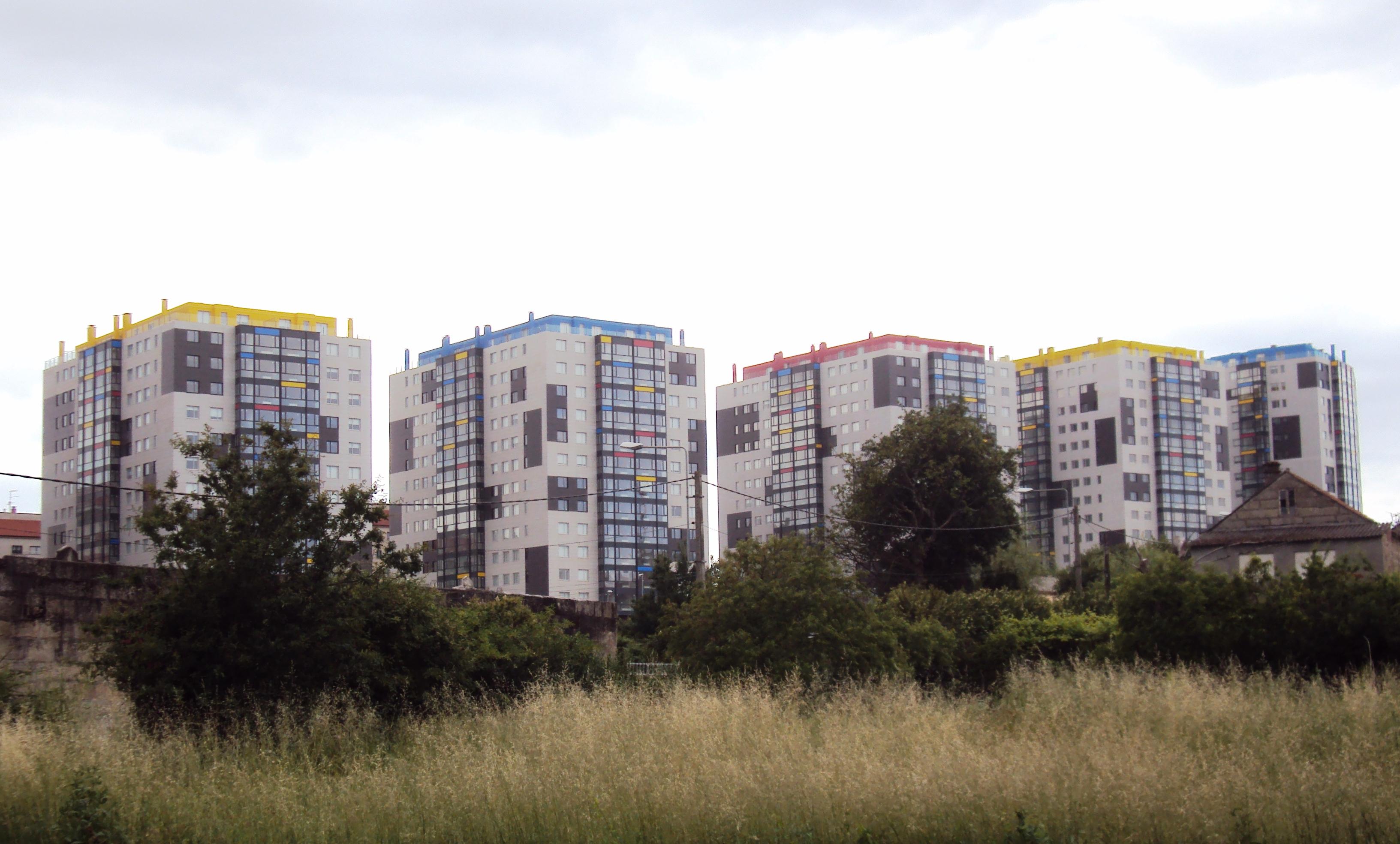 Edificios_'Rabo_de_Galo'_no_PAU_de_Navia,_Vigo