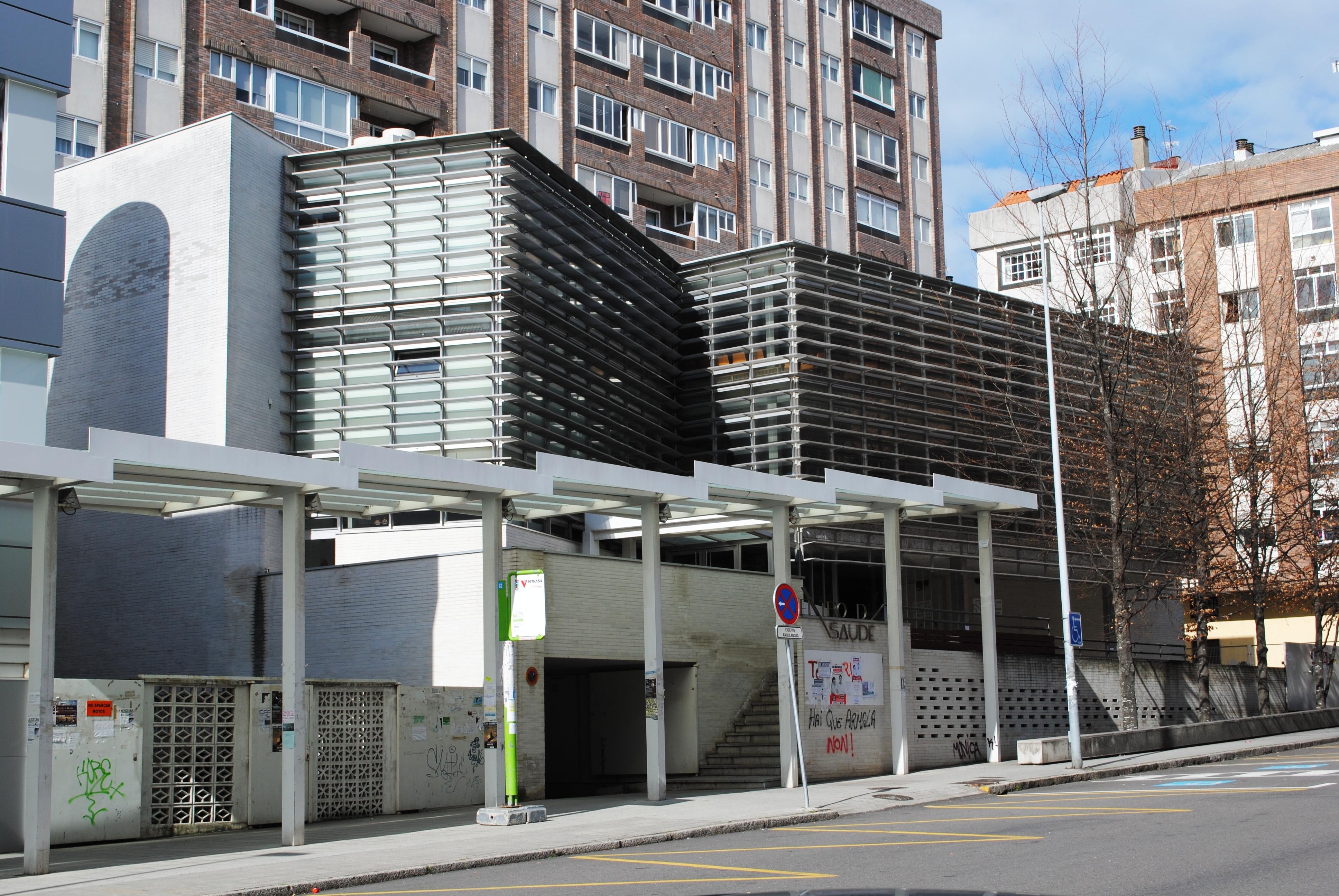 Vigo,_Centro_de_Saúde_A_Doblada