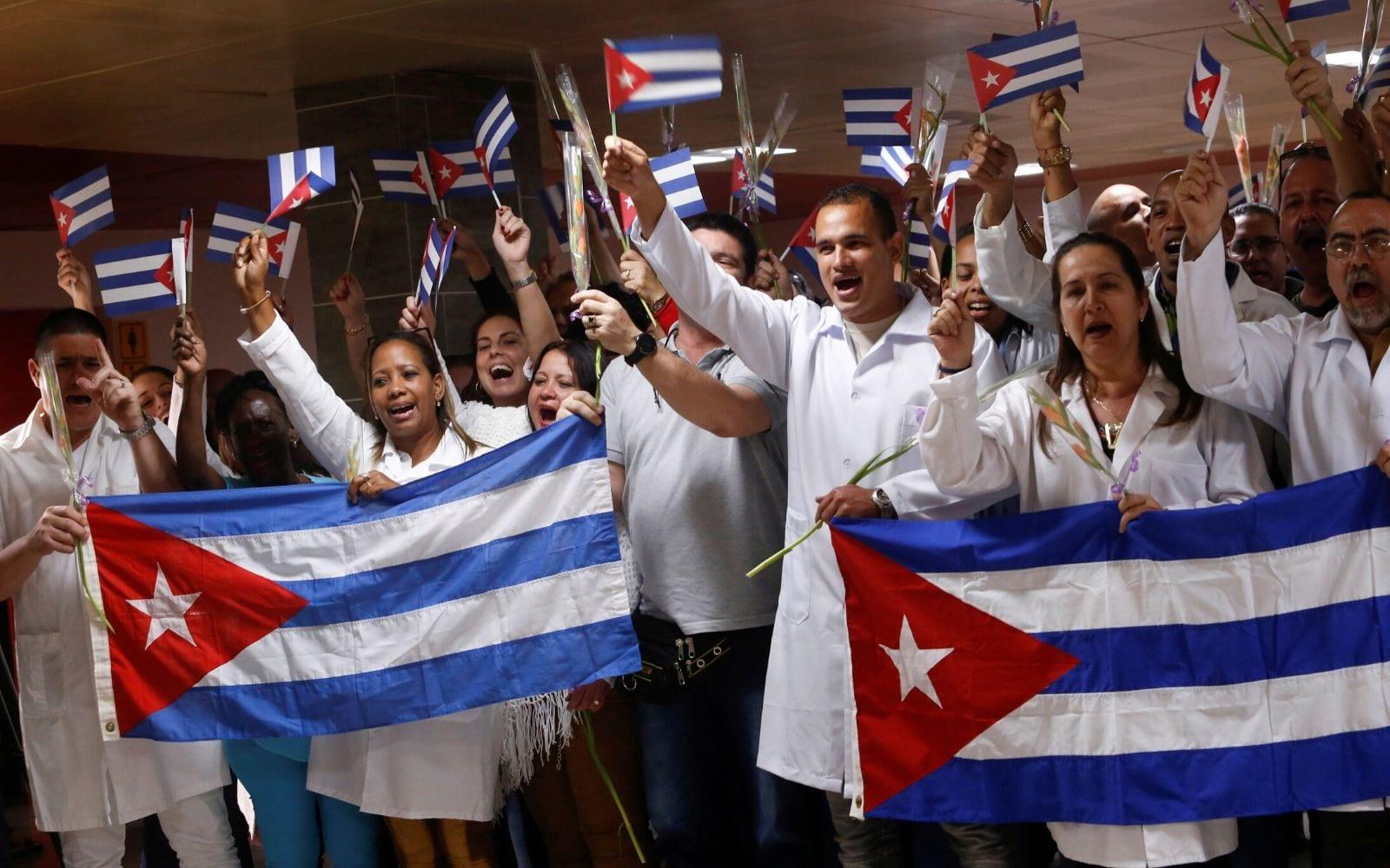 medicos-cubanos-denuncian-maltrato-bolivia