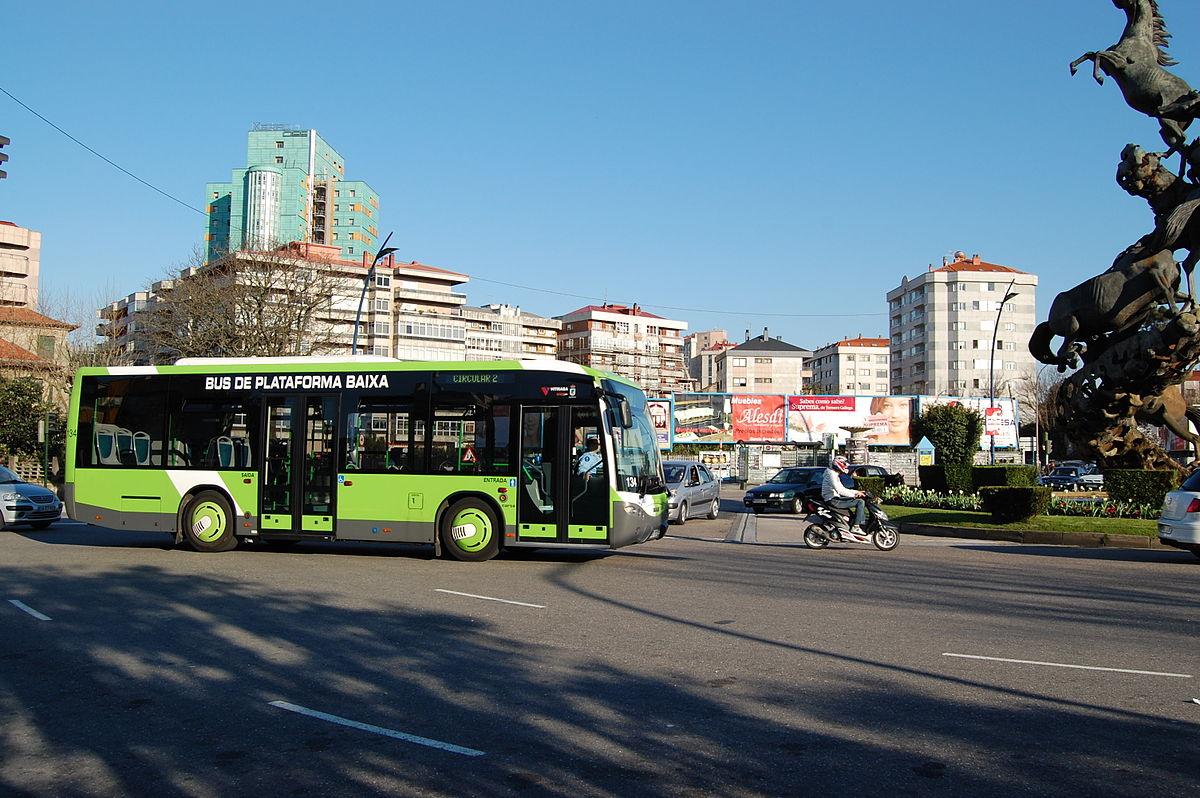 1200px-AutobusC2vigo vitrasa